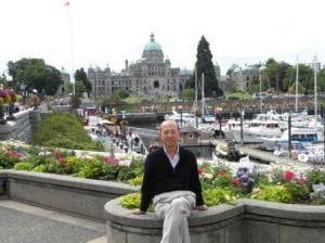 Victoria は BC州都、Landmark の一つ、州議事堂を背景に