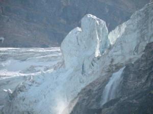 訪問翌日に大きな氷塊が落下して閉鎖されたとの事だが、ひょっとしてこの氷塊?